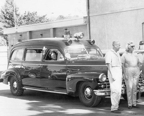 Mobil-Ambulance-pertama